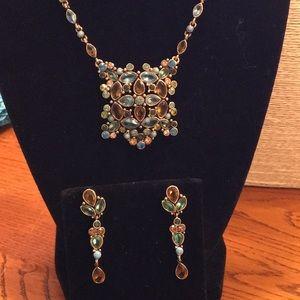 Jewelry - Vintage Monet set